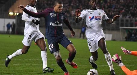 Liga Francesa de futebol suspende tecnologia da linha de golo