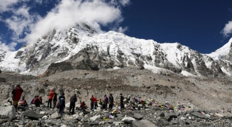 Australian fastest to scale highest peaks on 7 continents