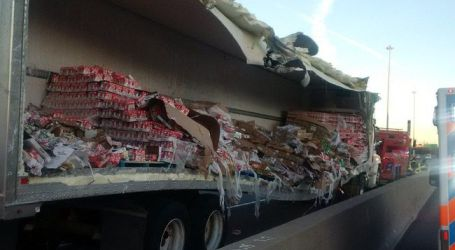 Truck carrying yogurt crashes on Hwy. 401