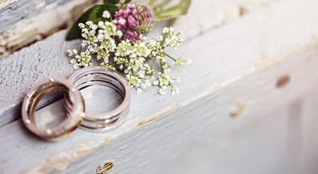 21 casamentos entre pessoas do mesmo sexo