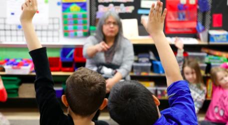Ontario considers removing kindergarten, primary class size caps