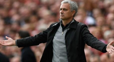 """Mourinho é """"muito novo"""" e quer voltar ao """"futebol de topo"""""""