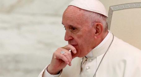 Papa envia mensagem a Marcelo Rebelo de Sousa ao sobrevoar Portugal