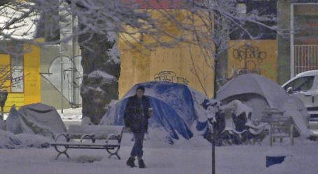 Homeless in the snow: Tent community growing in Vancouver park amid cold snap