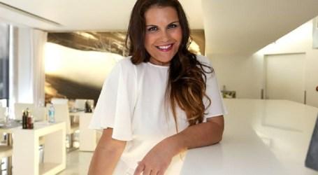 Katia Aveiro anuncia gravidez