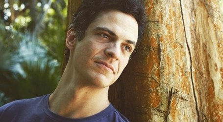 Ator Mateus Solano vítima de fraude após clonagem do telemóvel