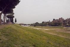Ostia Antica, miles and shores, Rom, Städtetrip, citytrip, reisen, Reiseblog, Ruinen, Ruinenstadt, Circus Maximus, Wagenrennen, Ruinen, Wiese