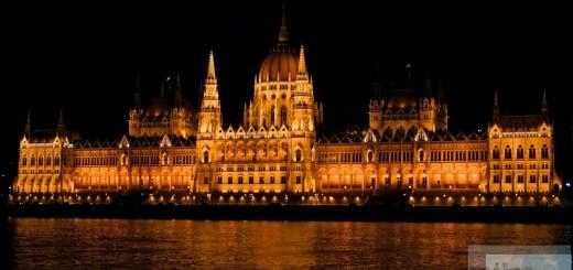 议会在夜间