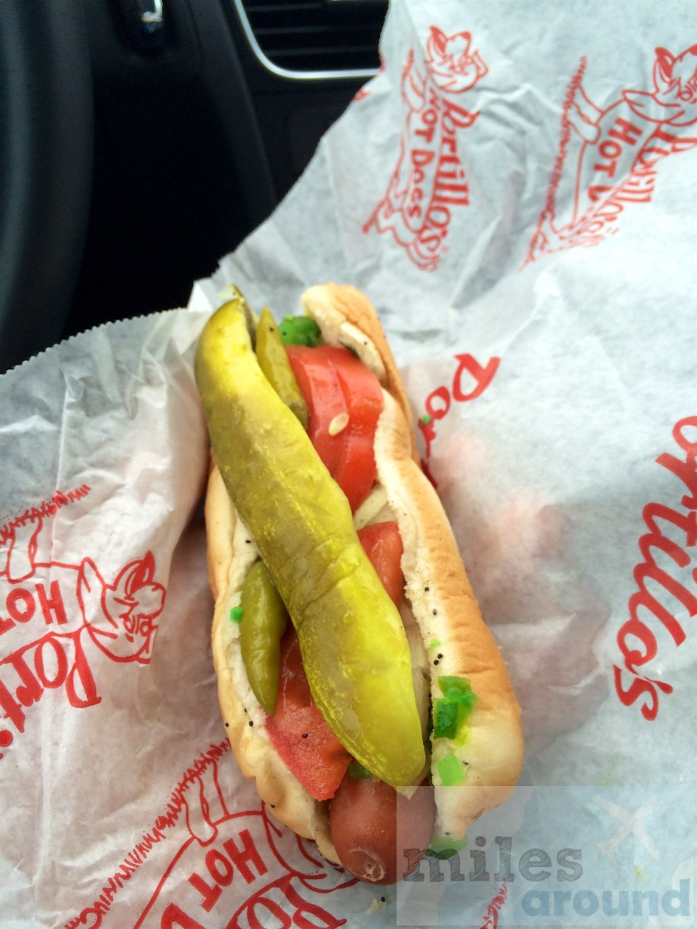 Hot Dog von Portillo's Restaurants Chicago