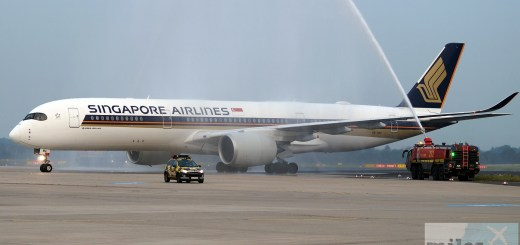 Welcome with a water fountain - Singapore Airlines A350-900