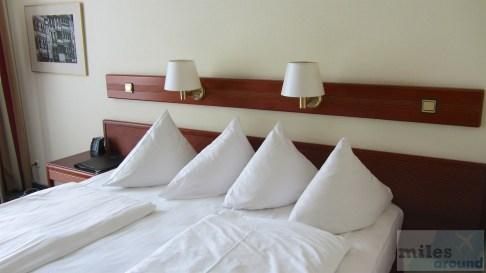 großes und bequemes Doppelbett (King-Size)