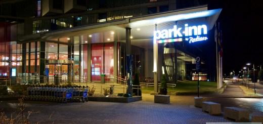 Haupteingang des Park Inn by Radisson Oslo Airport (Gardermoen)