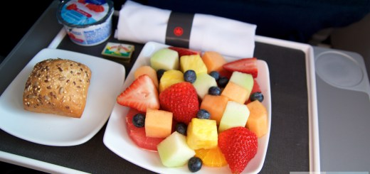 Prima colazione in Air Canada Business Class nel Embraer ERJ-190