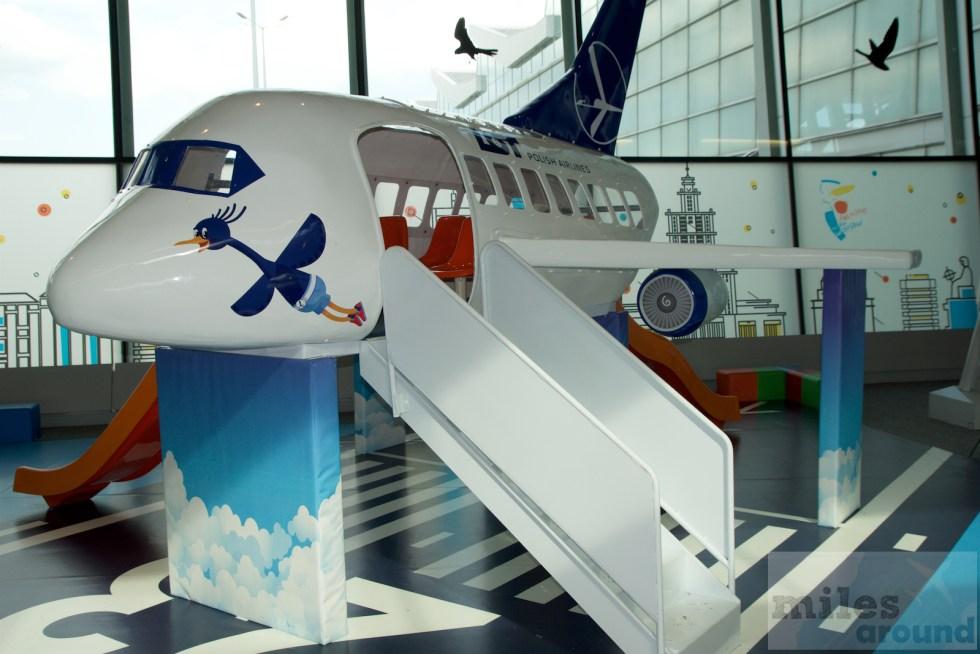 Παιδική χαρά στο αεροδρόμιο της Βαρσοβίας