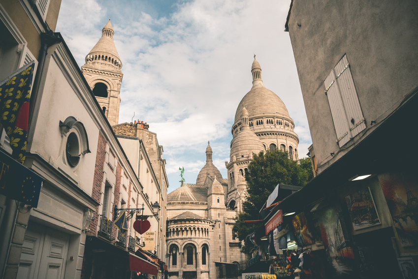 Montmartre: eine starke Frau in Paris, Fotolia©TIMDAVIDCOLLECTION