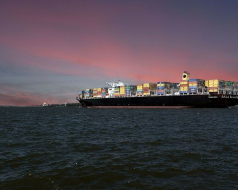Beater Stelzer Container-Schiff