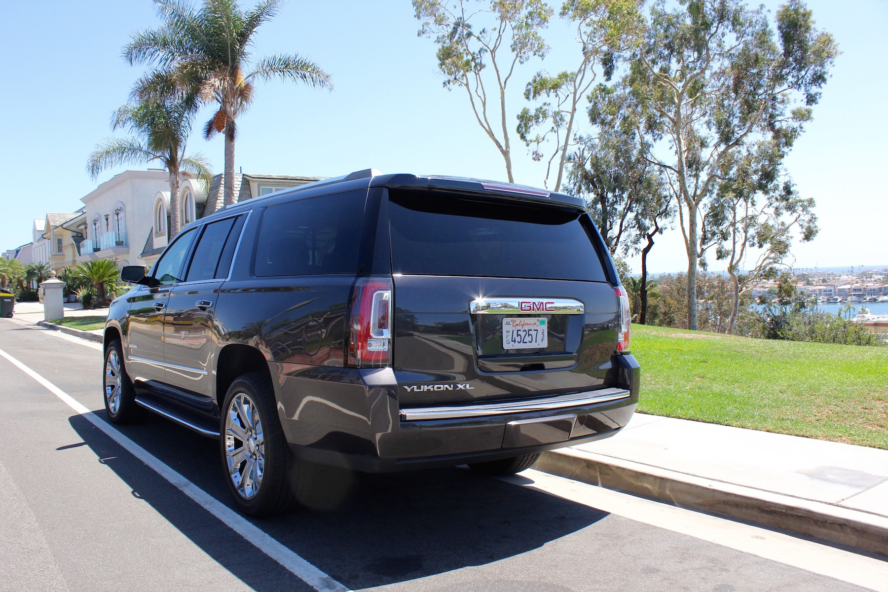 2016 gmc yukon xl denali review video pictures specs. Black Bedroom Furniture Sets. Home Design Ideas