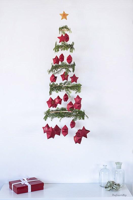 Árbol de navidad colgante para salones pequeños