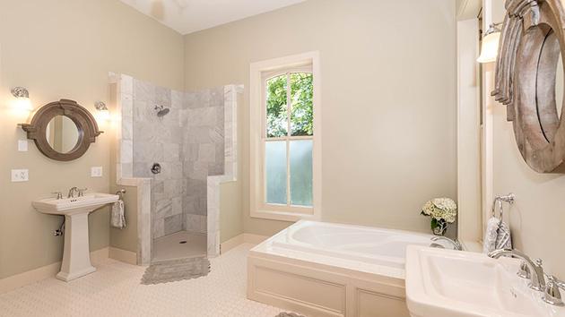 Boyalı bir banyo