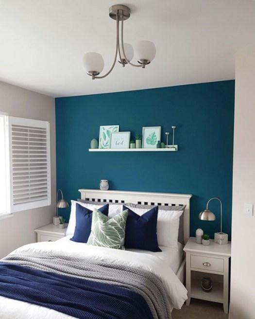 Color Azul Petróleo combinado con beige en paredes y decoración