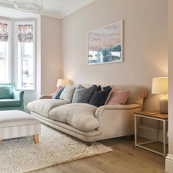 Oturma odası için Feng Shui renkleri: Soluk pembe