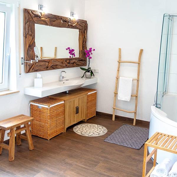 Rustik ve modern bir banyo