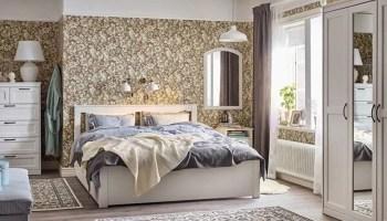 Dormitorio de matrimonio con muebles de IKEA