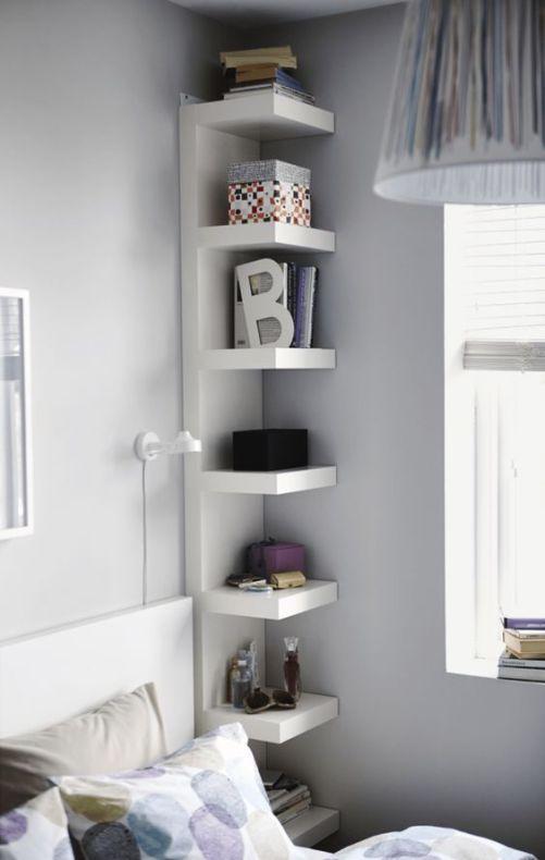 Ikea'nın Lack rafıyla yapılmış bir komidin