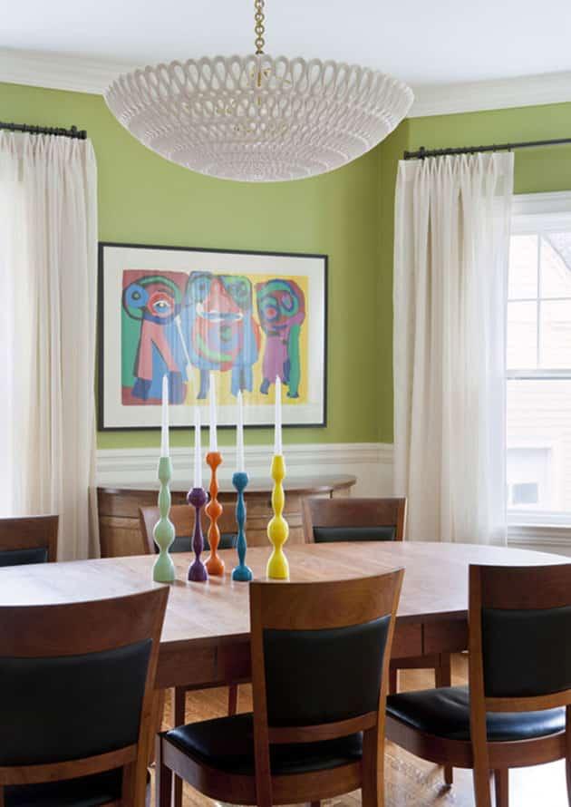 De qu color pintar las paredes del saln con muebles marrones
