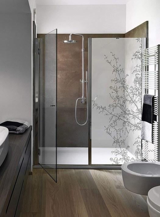 Mampara de de ducha con vinilo decorativo
