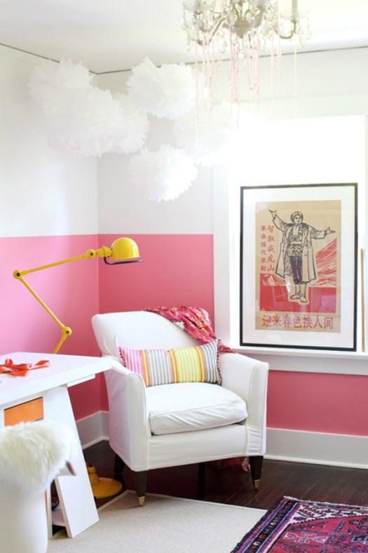 Zócalo rosa en pared