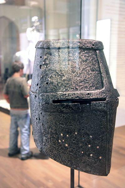 13世纪的锅头盔在柏林的德国历史博物馆