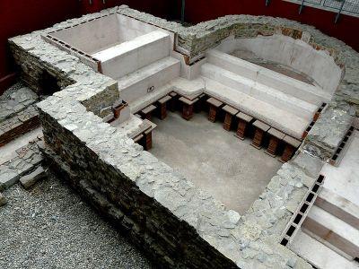 奥斯特布尔肯城堡的小型军事浴场