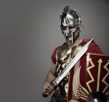 Römischer Legionär mit einem Gladiusschwert