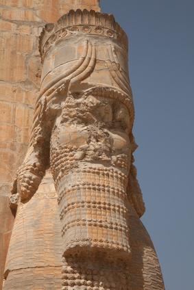 Statua di Serse nell'ex capitale persiana Persepolis