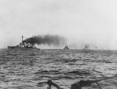 СМС Дерффлингер другими кораблями в поездке после Скапа-Флоу