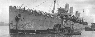 Войсковой транспорт Штойбен теперь снова без защитной окраски точки зрения 1 сентября 1919 в Нью-Йорке