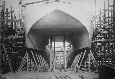 La coque du SMS Vulkan en construction en 1907
