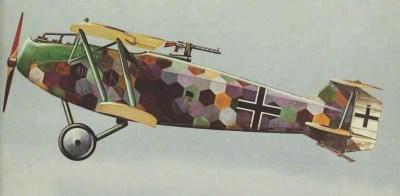 Un CL allemand de Hanovre avec une ligne de camouflage colorée