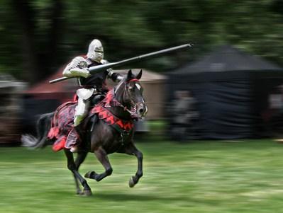 骑士与长矛