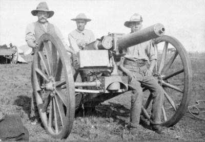 Soldats australiens avec un canon de 1 livre en Afrique du Sud vers 1901