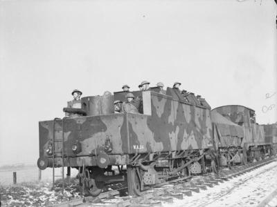1941年2月在苏格兰的一辆装甲列车上装备了一架QF 6磅重的6号CWT霍奇基斯火炮