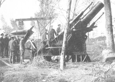 Un obice BL di 15 pollici durante la battaglia della Somme