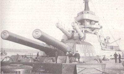 Tourelles avant HMS Ajax