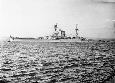 Incrociatore di grandi dimensioni HMS Courageous
