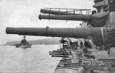 Pistole della HMS Malaya