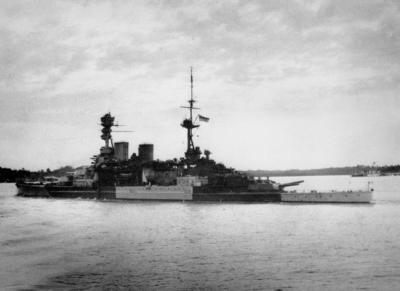 L'HMS Repulse nel porto di Singapore l'8 dicembre 1941