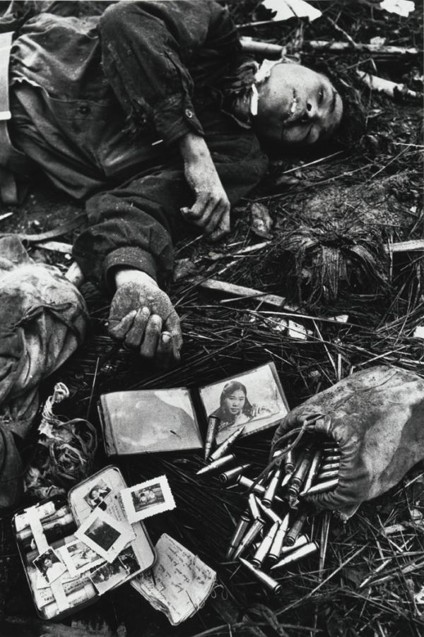 Don McCullin Body of a North Vietnamese soldier, Hue, Vietnam, 1968