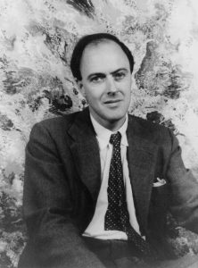 Roald Dahl in 1954. Image: Library of Congress
