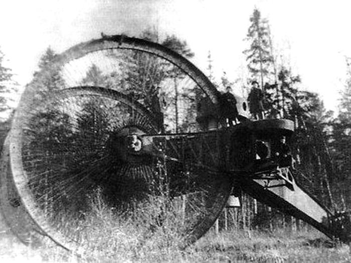 A rare wartime photo of the failed Russian Tsar Tank.